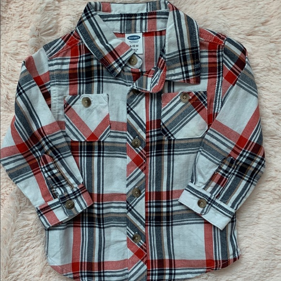 Old Navy Other - NWOT old navy 6-12M button up